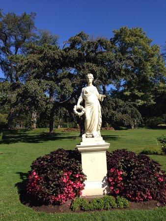 Halifax Public Gardens : Statue