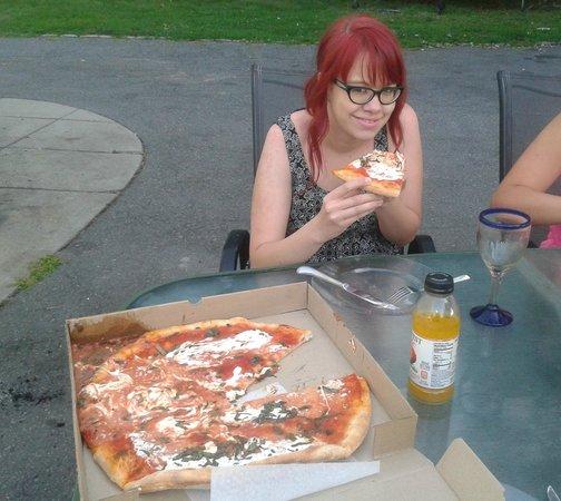 Wellington's Pizzeria : One happy daughter