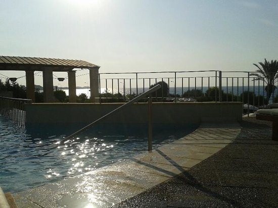 Amathus Beach Hotel Rhodes : view from adult pool
