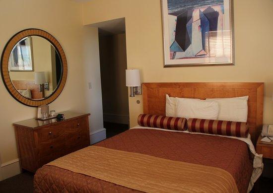 Alexander Inn: Room 508 - 2