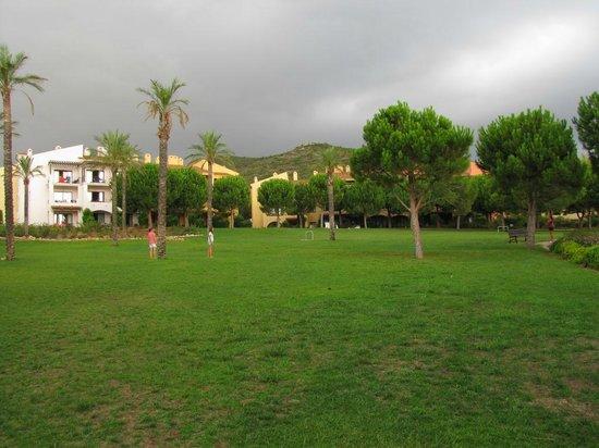 Pierre & Vacances Village Club Bonavista de Bonmont : Almendro (à gauche) et Baladre (à droite)