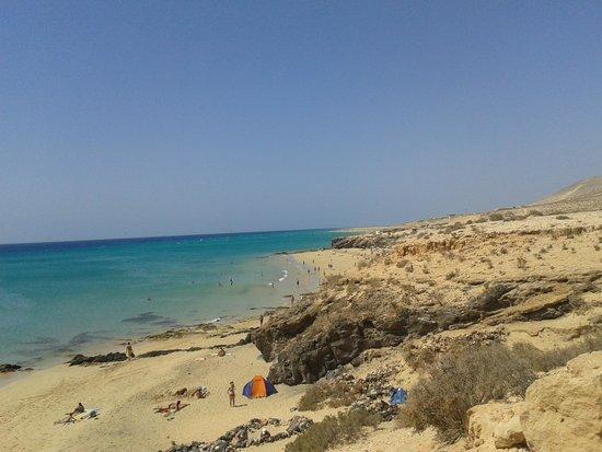 Hotel R2 Pajara Beach : Playa Esmeralda y los protectores del viento