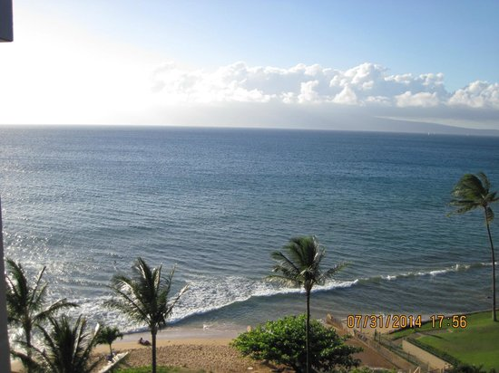 Aston Kaanapali Shores: View facing west towards Moloka'i