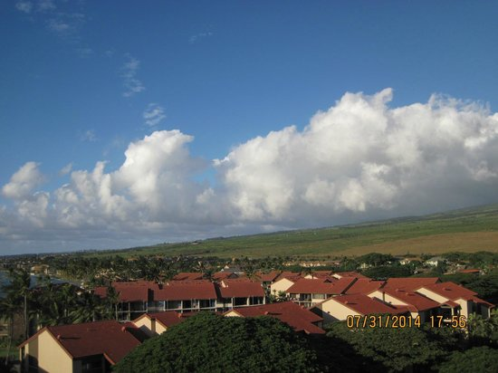 Aston Kaanapali Shores: View facing east towards mountains