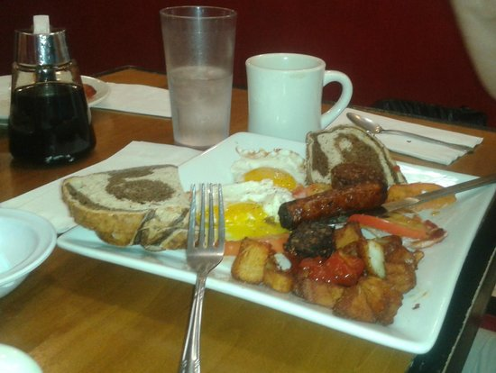 Medford Square Diner: Traditional fry up
