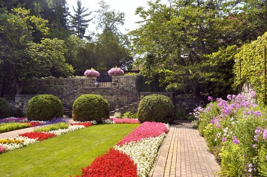 Cranbrook House and Gardens: Sunken garden