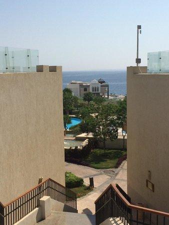 Sunrise Grand Select Arabian Beach Resort: A look to the beach