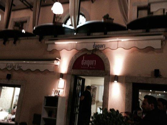 Daiquiri Lounge : Dalla scalinata