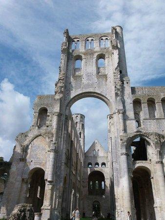 Abbaye de Jumieges: Abbey ruins