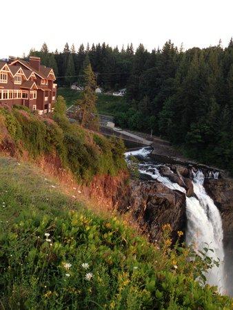 Salish Lodge & Spa: Proximity to the Falls