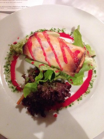Three Rooms: Vegetarian Strudel - pretty good (hardly any feta & walnut, just beetrot). Hope they improve the