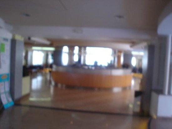 Hotel Riviera: Reception