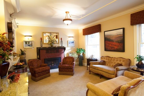 Oak Street Hotel : Cozy lobby