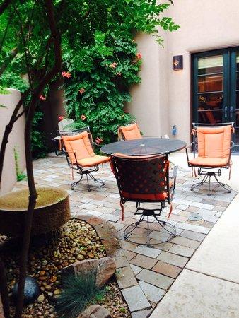 Fairmont Heritage Place, El Corazon de Santa Fe: The Patio
