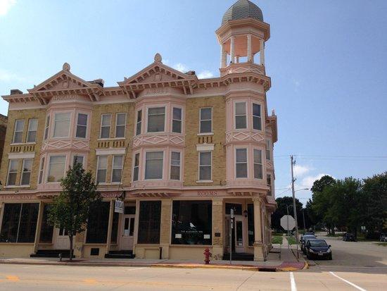 The Audubon Inn from across the street