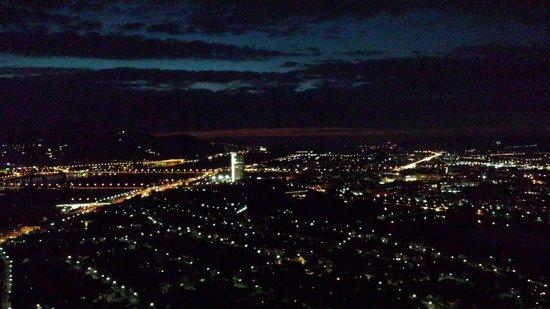 Donauturm: photo at night