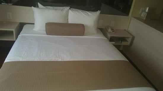 City Studios: bed nice fresh n clean oh n soft