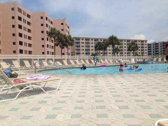 Jetty East Condominiums: Chilling at the pool