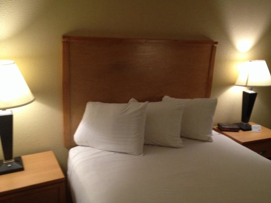 Quality Inn DFW-Airport: Room 128