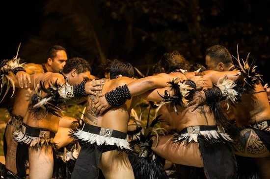 Tahiti Pearl Beach Resort: Show Marquisien
