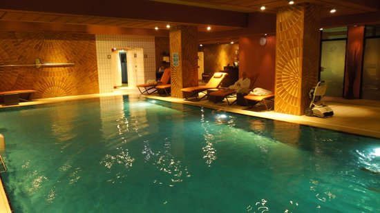 Le Royal Hotels & Resorts - Luxembourg: Excellent pool