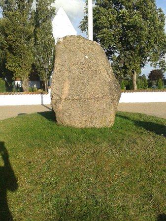 Runestenen Ved Baekke Kirke