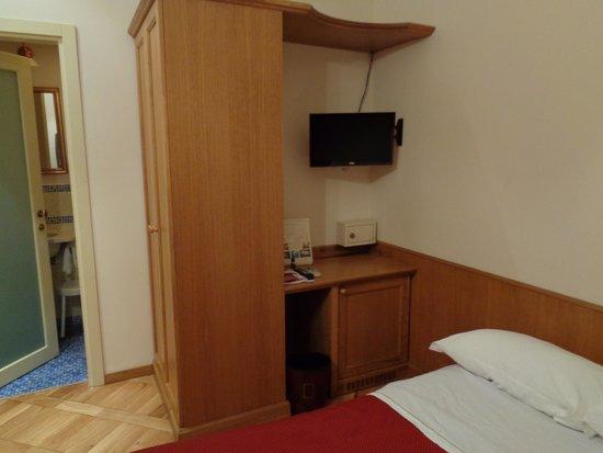 Grand Hotel Europa : dormitorio