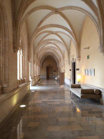 NH Collection Palacio de Burgos: Cloître
