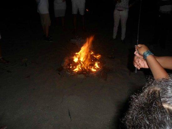 Atrapasueños Dreamcatcher Hotel: BonFire on the beach