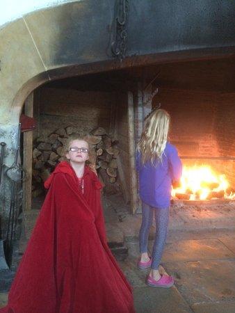 Hampton Court Palace: Tudor roasting fire in kitchen