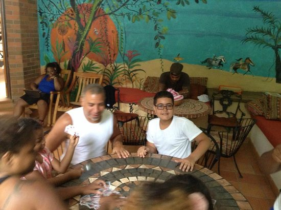 Atrapasueños Dreamcatcher Hotel: Playing games and relaxing