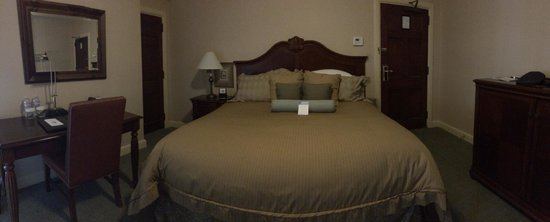 Exeter Inn: The Bed