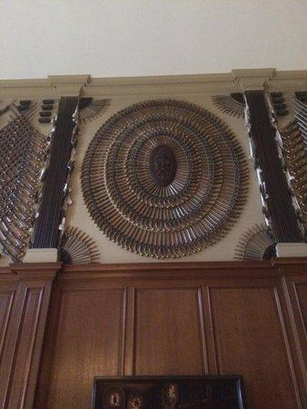Hampton Court Palace: Pistols
