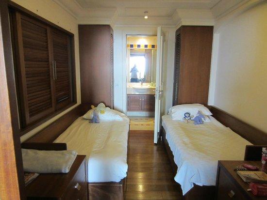 Columbia Beach Resort Pissouri : Children's room - family sea view suite