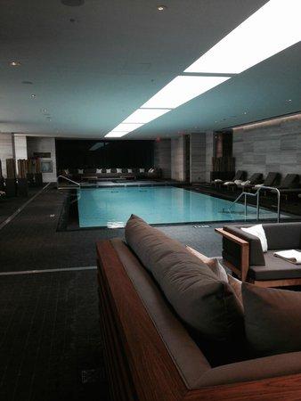 Four Seasons Hotel Toronto: Gorgeous Pool