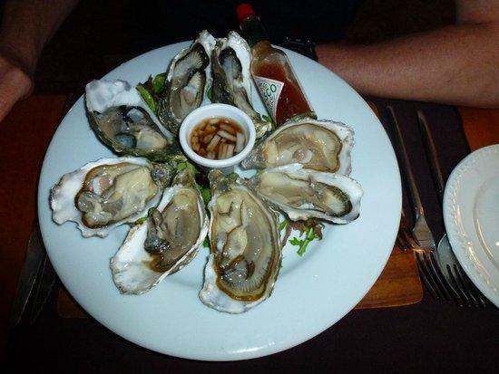 Roseville Bistro: Fresh Oysters