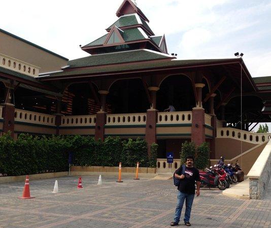 Novotel Phuket Vintage Park : Entry