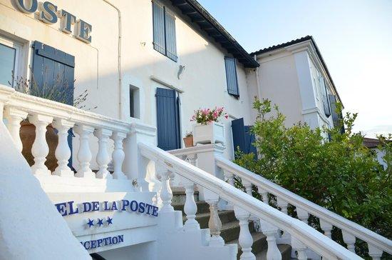 Grand Hotel de La Poste : Ставни спасают от навязчивого солнца