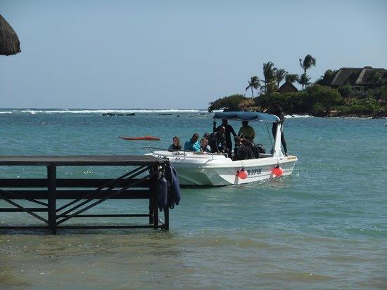 Maritim Resort & Spa Mauritius: Diving boat