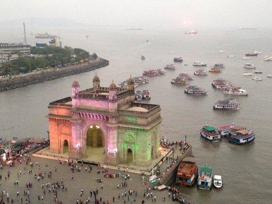 The Taj Mahal Palace, Mumbai: India Gate! Utsikt från rummet