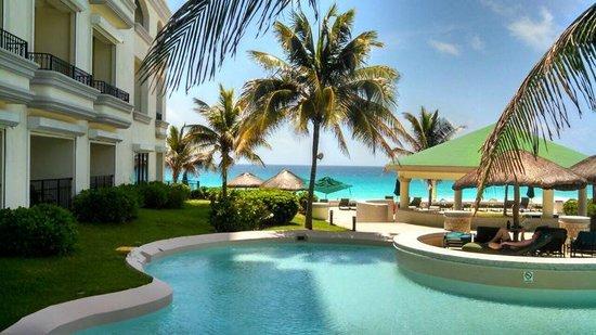 JW Marriott Cancun Resort & Spa: Resort grounds