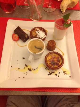 Bistro Quai : Café gourmand a 8,50 €. Ici inclut avec le menu bistrot