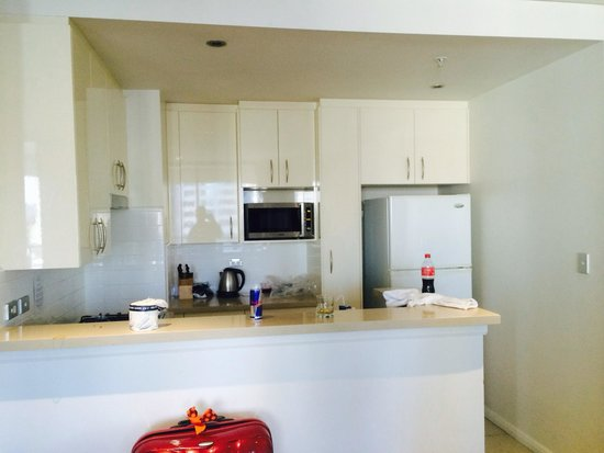 Meriton Serviced Apartments Kent Street: Fully equipped kitchen