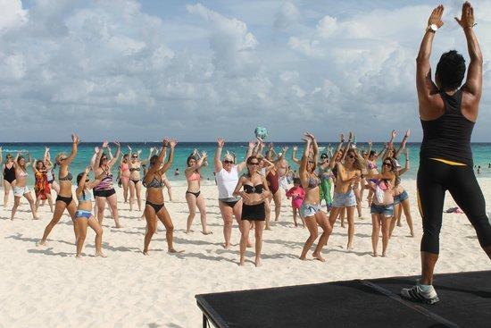Iberostar Tucan Hotel: Atividades na praia