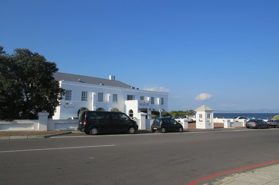 The Marine Hermanus: Hotel front
