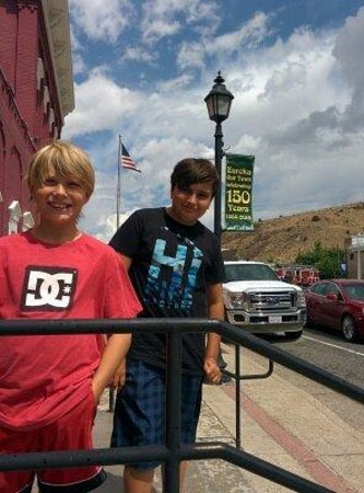 Loneliest Highway in America (Hwy. 50): The Kids Had a BLAST