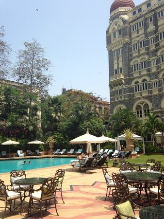The Taj Mahal Palace: The pool aria