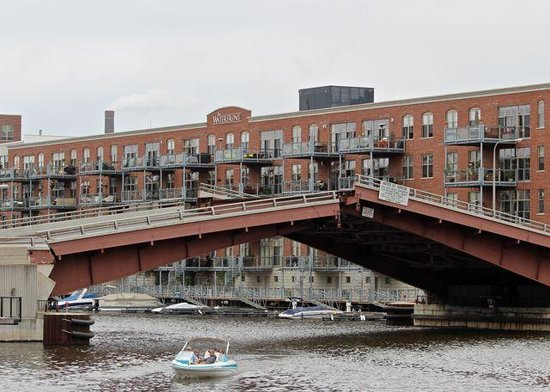 Milwaukee Boat Line: Water Street Bridge going up