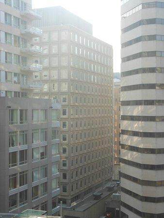 Delta Hotels par Marriott Montréal : VUE DU 8EME ETAGE