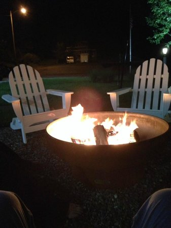 Hotel Dylan: Fire pit